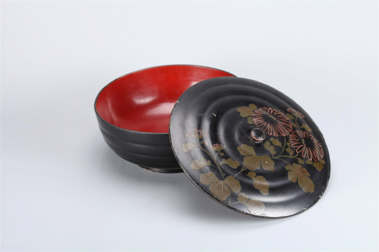 A Chinese Lacquer Bowl with Cover