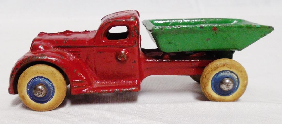 Cast Iron Dump Truck with Rubber Wheels
