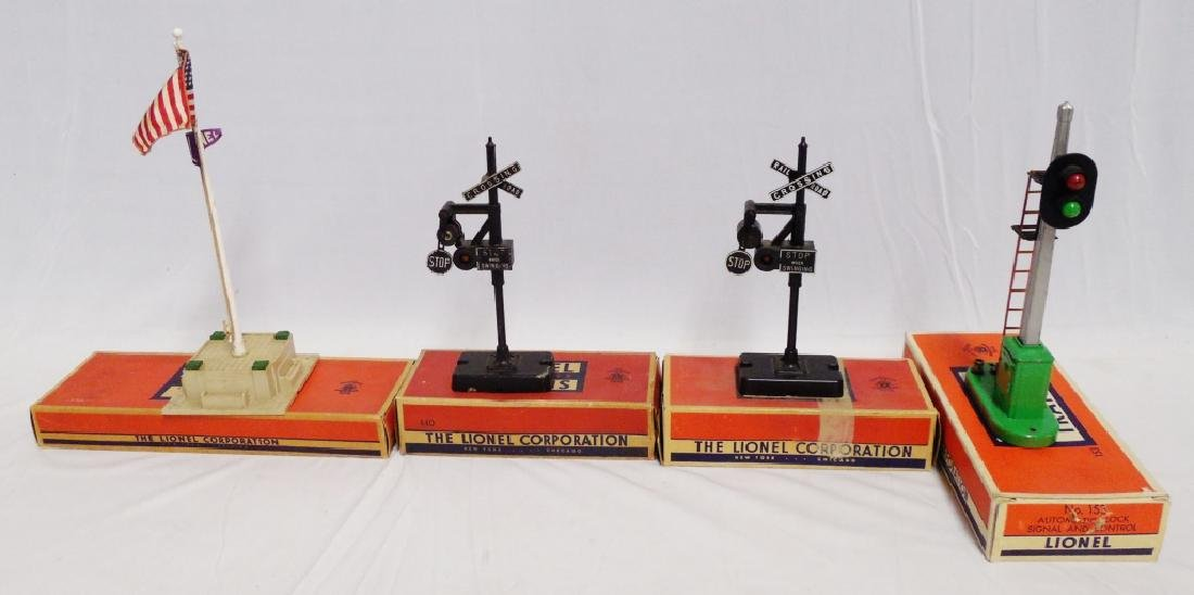 Lot of 4 Lionel Accessories with Boxes