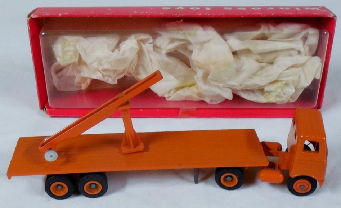 Winross Early Flat Bed w/ Crane