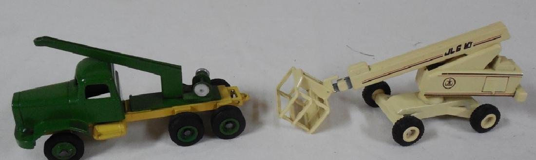 Winross Early Truck & Man Lift, No Boxes