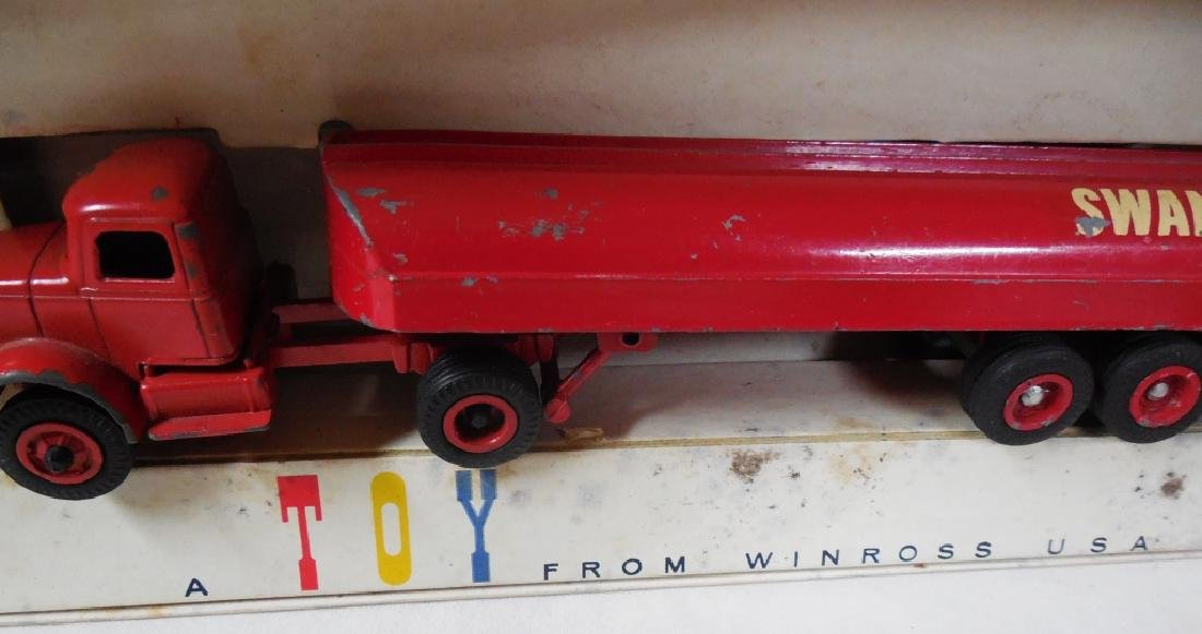 Winross Lot of 2 Early Trucks w/ Boxes - 2
