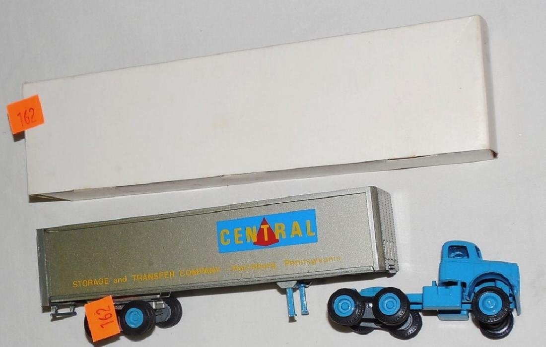 Winross Central Trucking Cargo