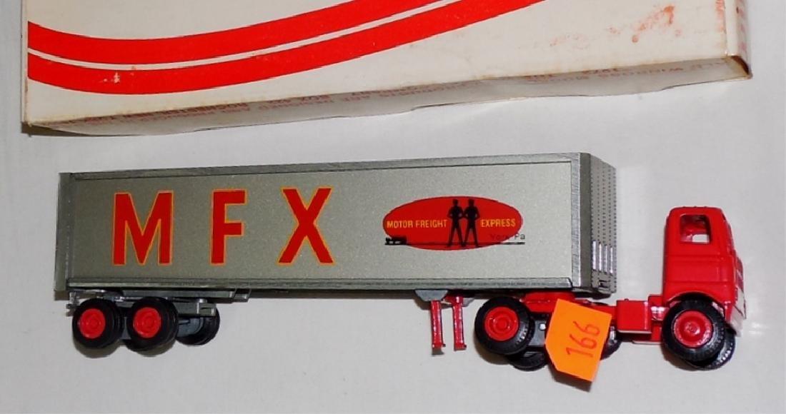 Winross MFX Cargo