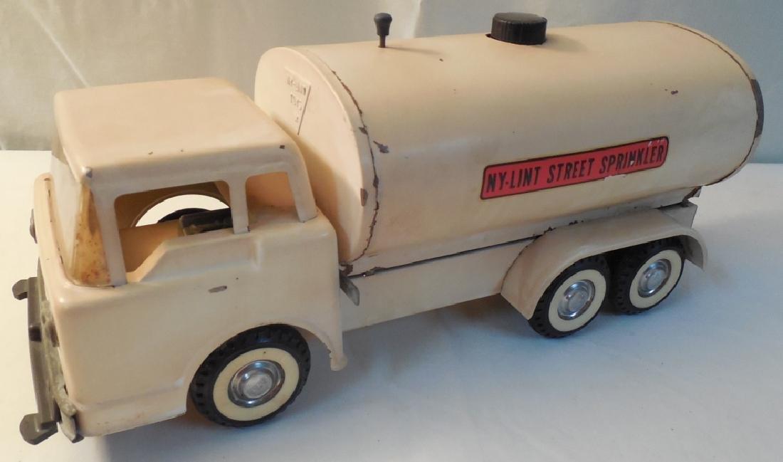 Ny-Lint Street Sprinkler Truck