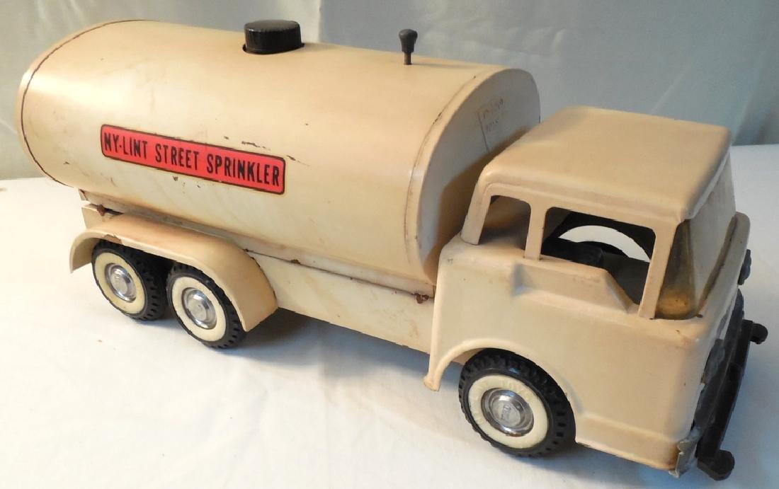 Ny-Lint Street Sprinkler Truck - 4