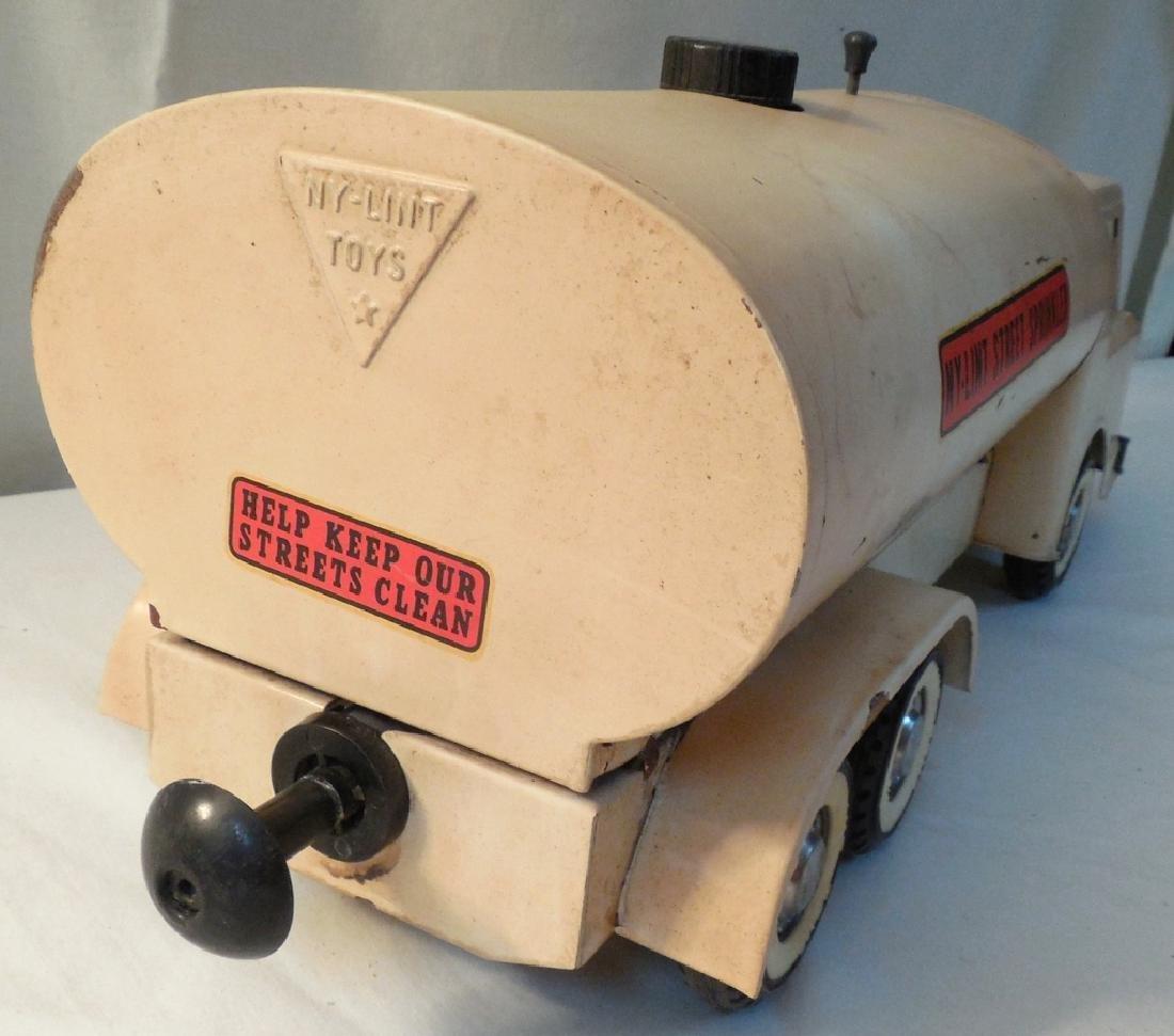 Ny-Lint Street Sprinkler Truck - 5