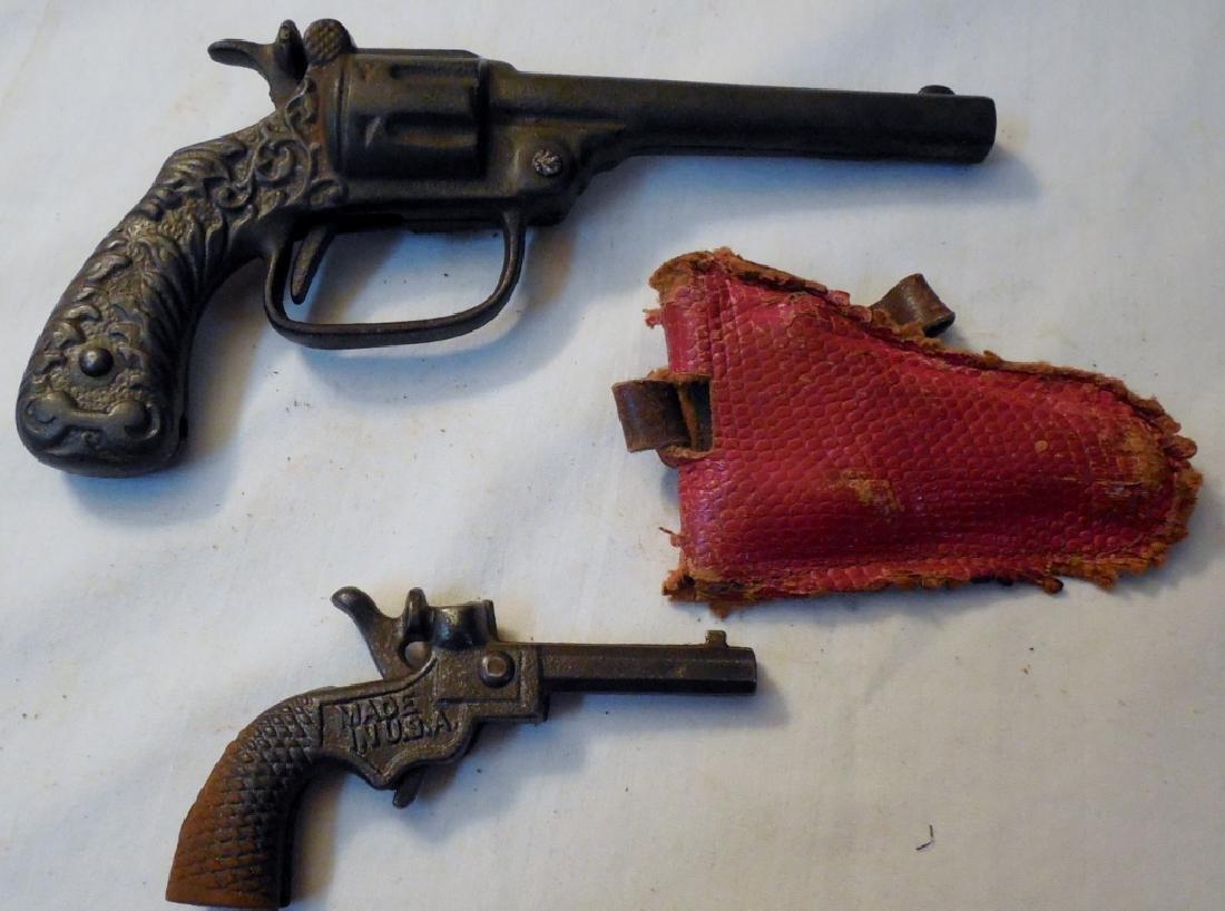 Big Chief Cap Gun & Holster & Early Cast Cap Gun - 2