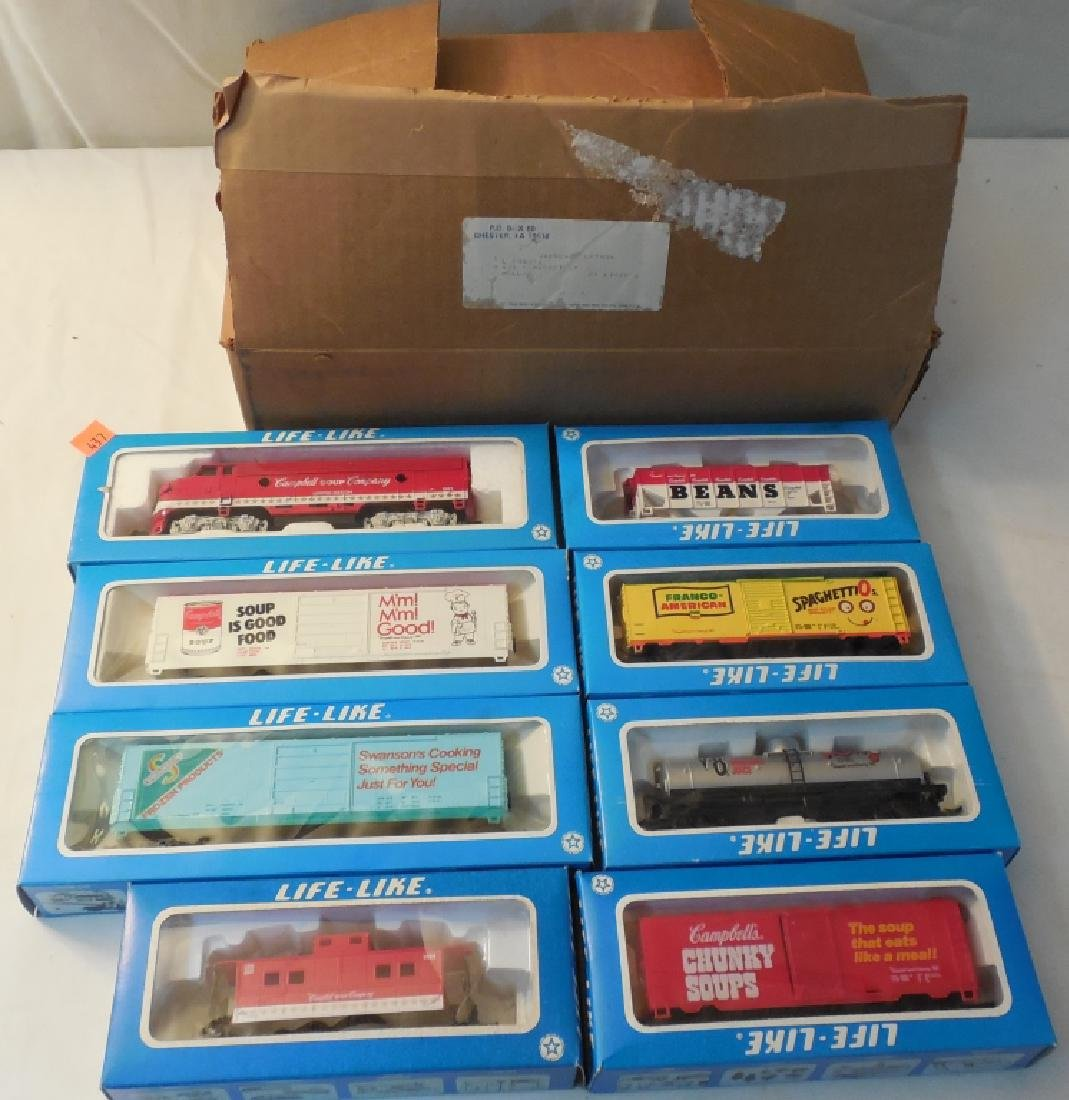 Life Like HO Train Set w/ Boxes - 2