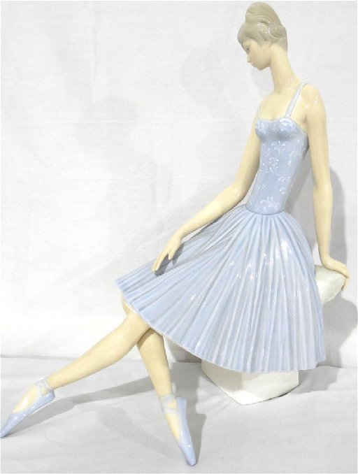 Lladro Ballerina Matte