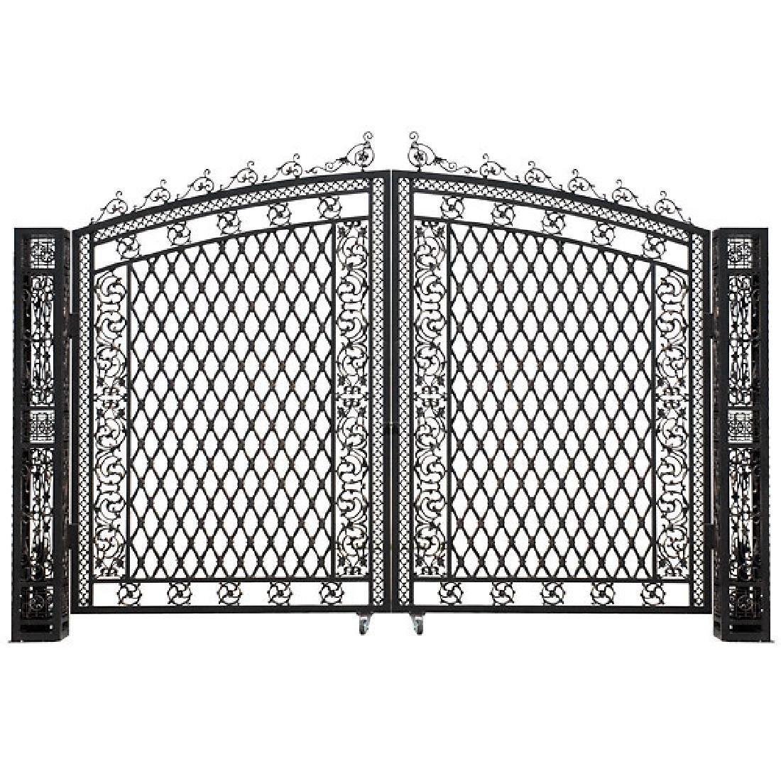 Bridgeton Moore Tall Driveway Gate