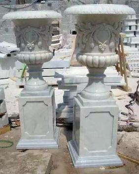 PR - Urn on Pedestal - White Marble