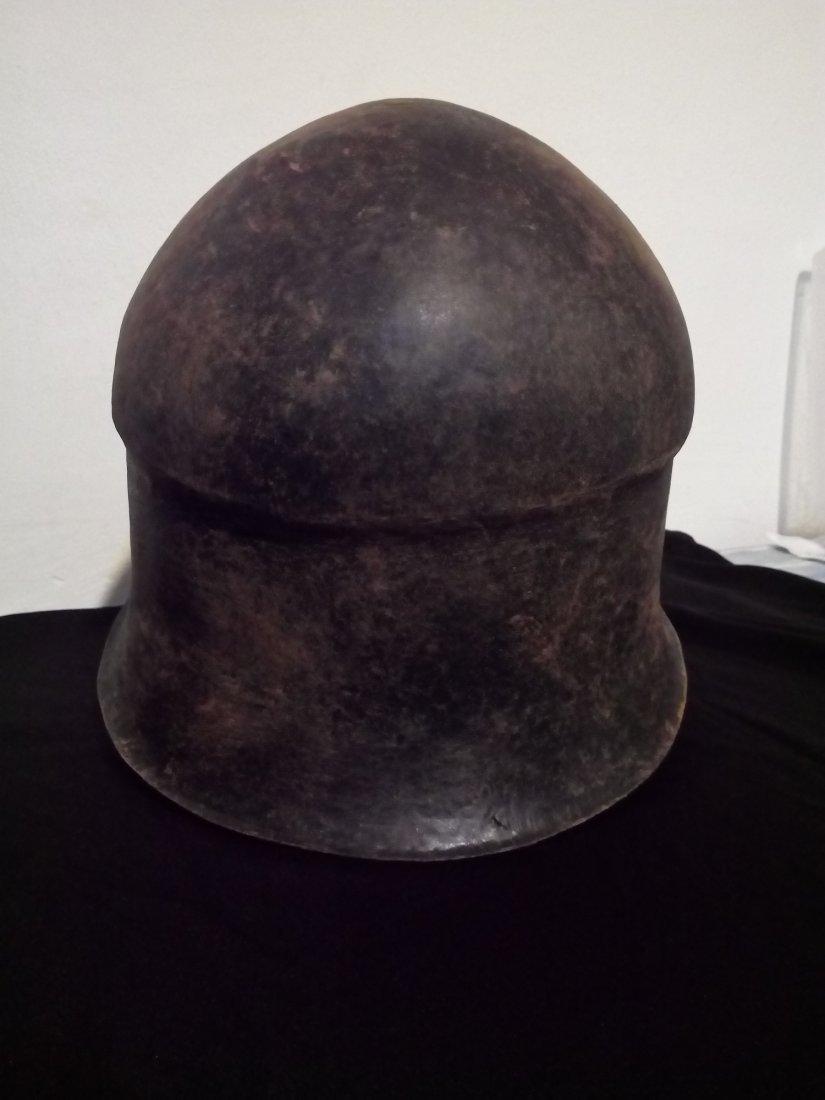 bronze helmet 4-5 B.C. - 4