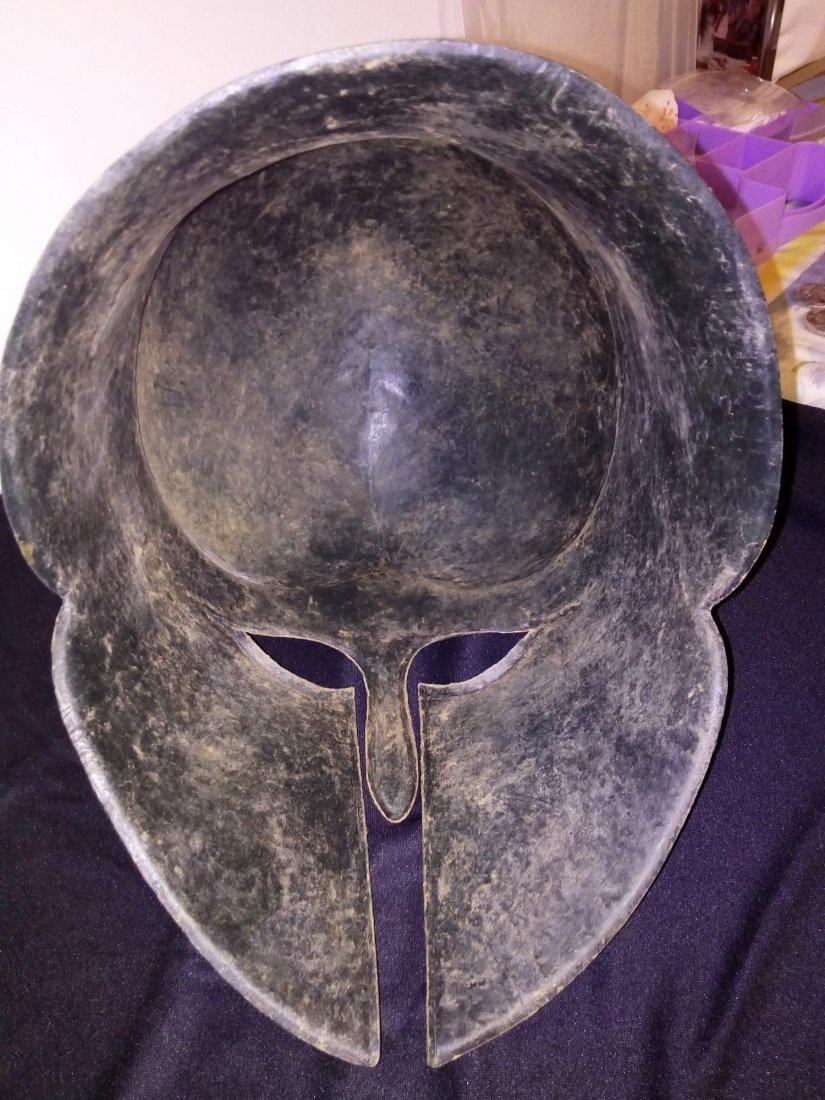 bronze helmet 4-5 B.C. - 6