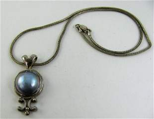 Ladies Sterling Silver Necklace with Mother of Pearl