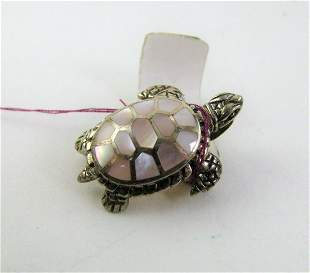 Ladies Sterling Silver and Mother of Pearl Turtle