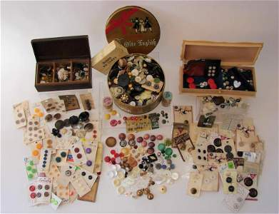 1000+ Antique Buttons and Beads