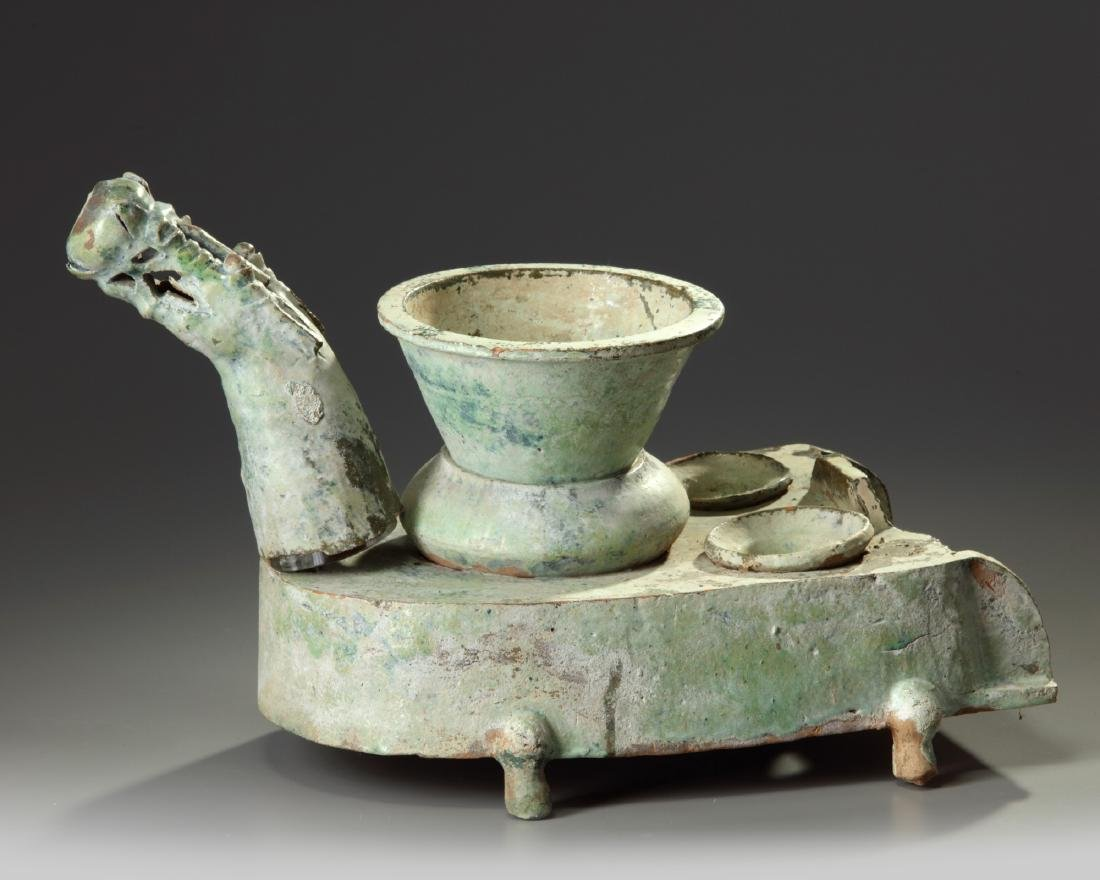 A Chinese green-glazed pottery stove with a dragon - 3