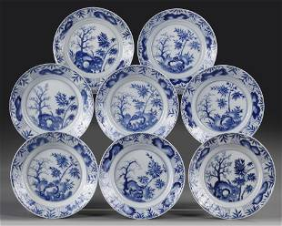 A GROUP OF EIGHT CHINESE BLUE AND WHITE PLATES, KANGXI