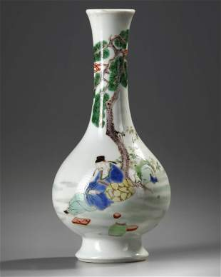 A CHINESE FAMILLE VERTE VASE, 19TH - 20TH CENTURY