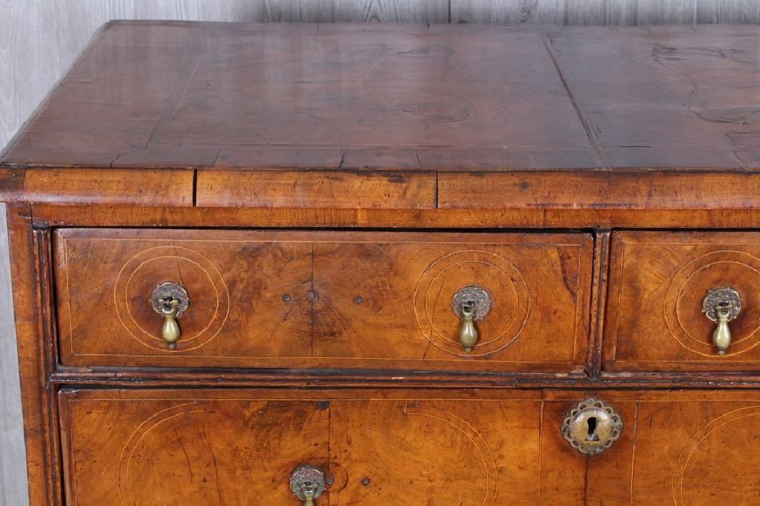 18th Century English chest of drawers - 2