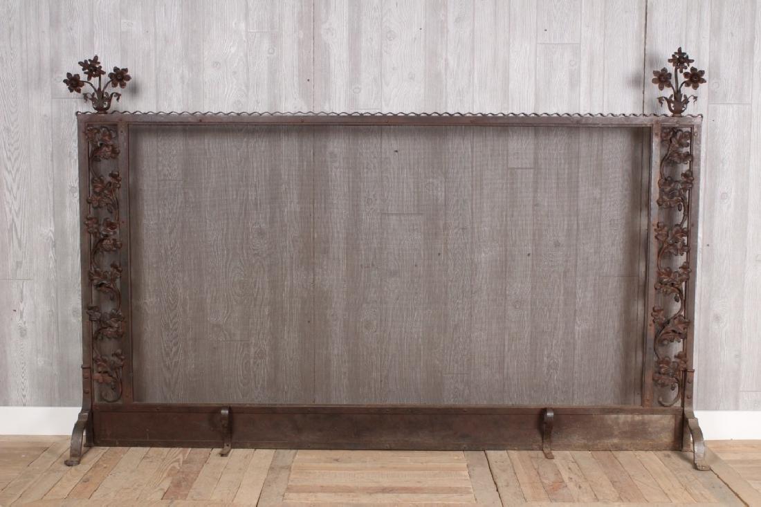 Grand Scale Iron Screen