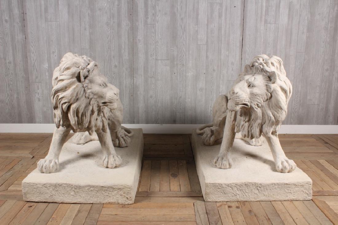 Monumental Pair Guard Lions
