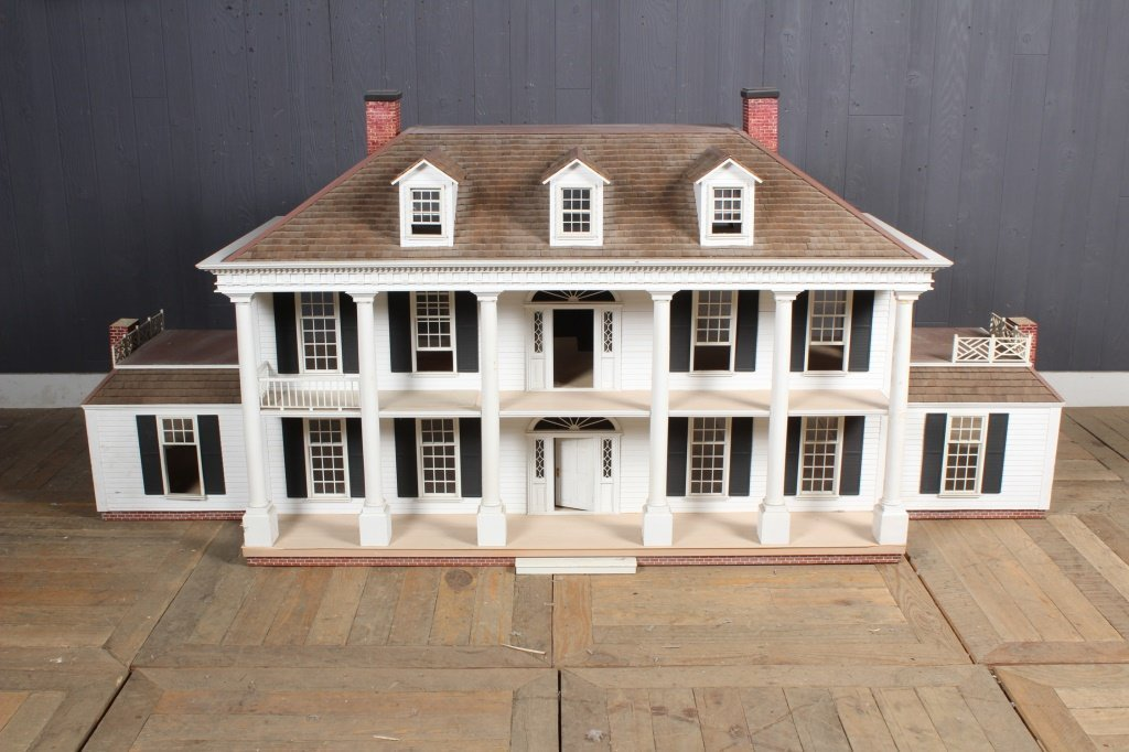 Vintage Georgian Revival Doll House