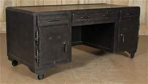 RH Steel Desk