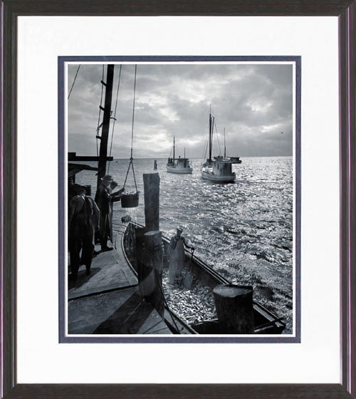 38: FRAMED PHOTO BODINE REPRINT