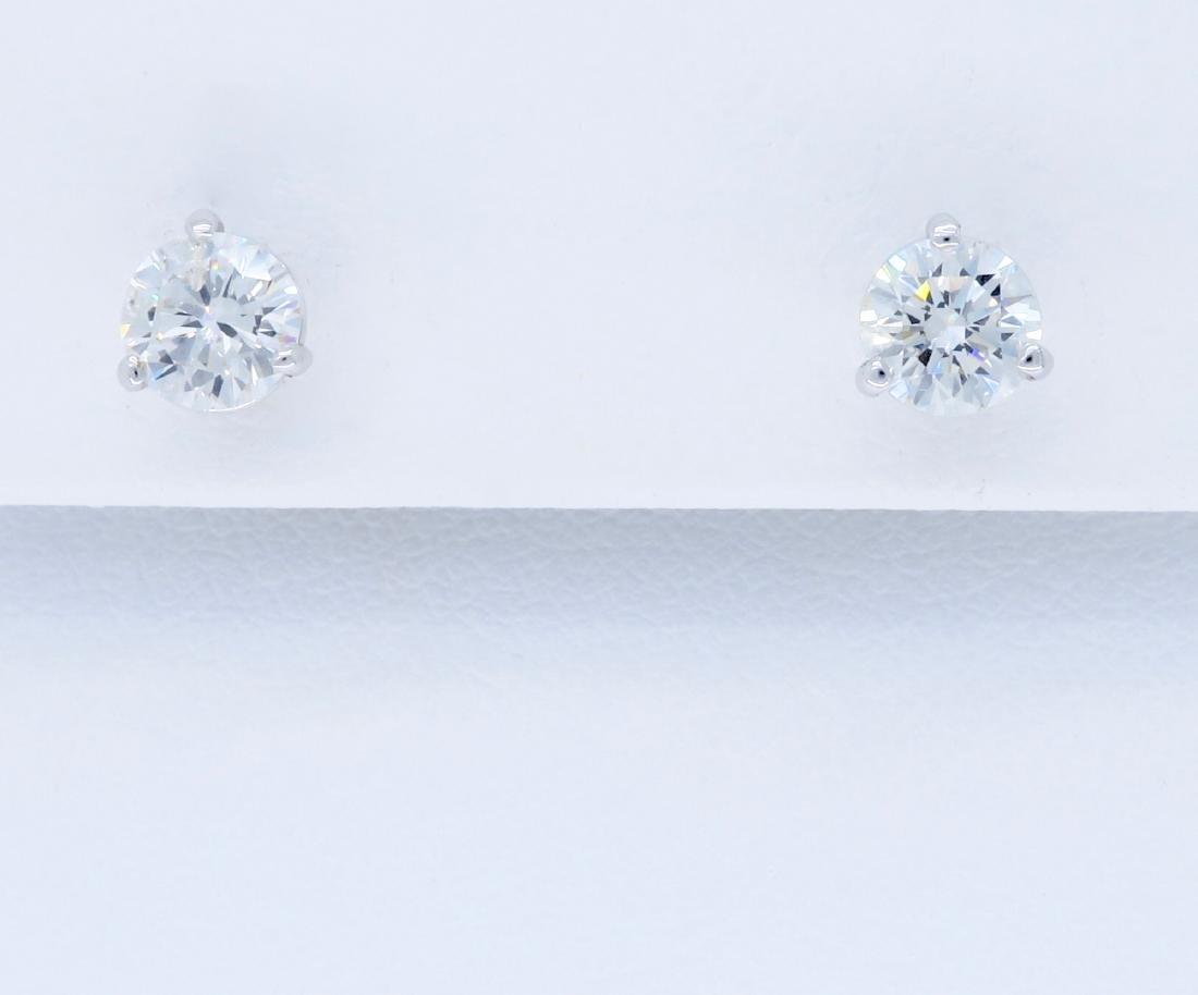 14KT White Gold 1.07ctw Diamond Earrings