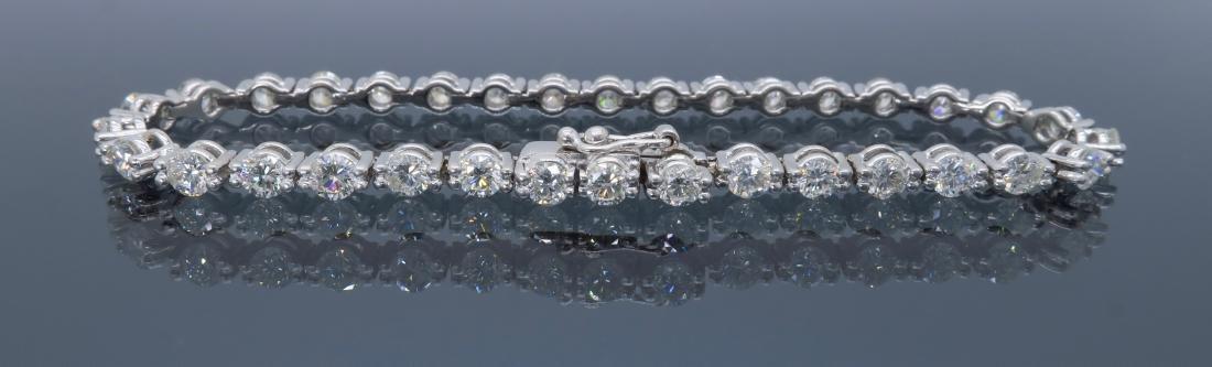 18KT White Gold 4.25ctw Diamond Bracelet