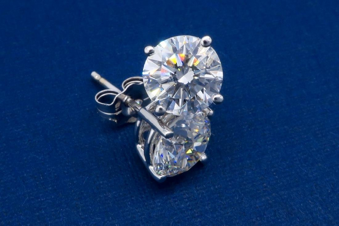 14KT White Gold 2.04ctw Diamond Stud Earrings - 4