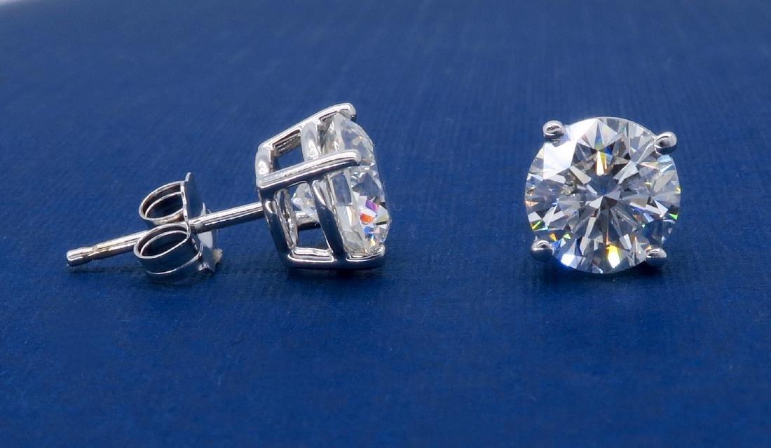 14KT White Gold 2.04ctw Diamond Stud Earrings - 5
