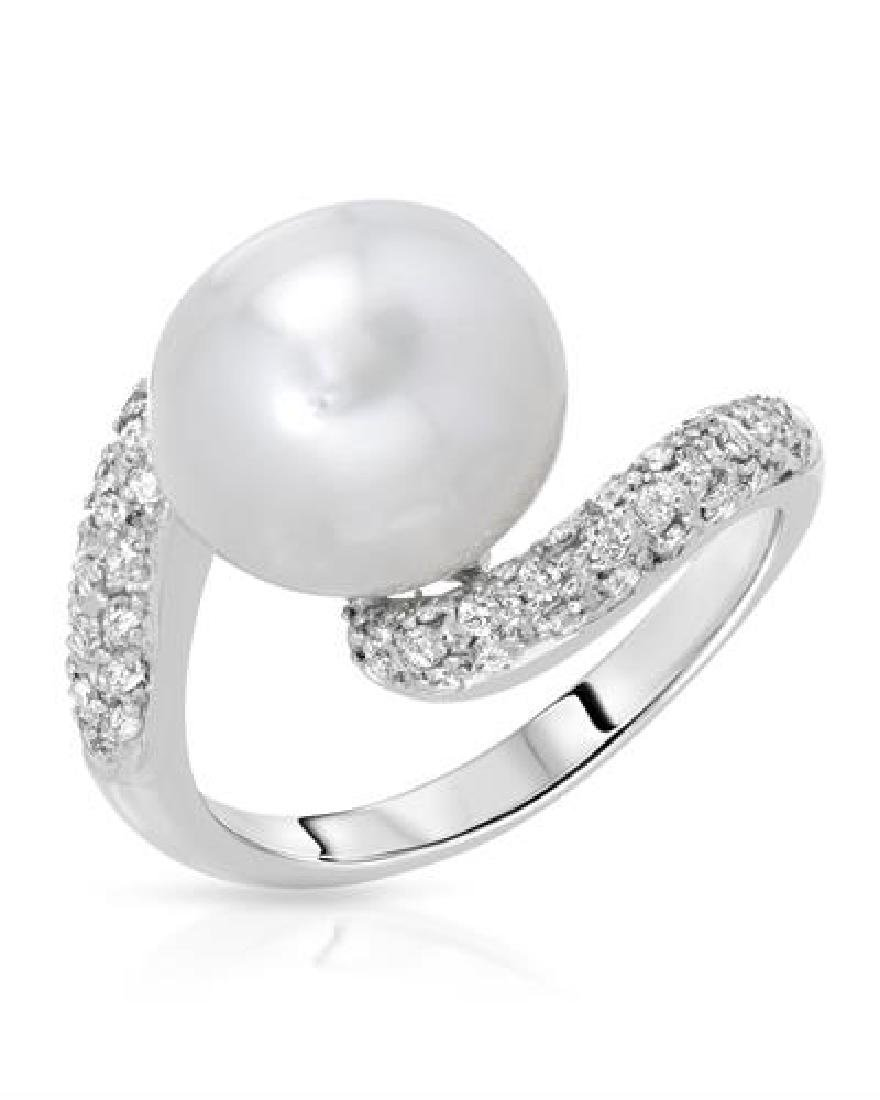 18KT White Gold 9.00ct Pearl and Diamond Ring