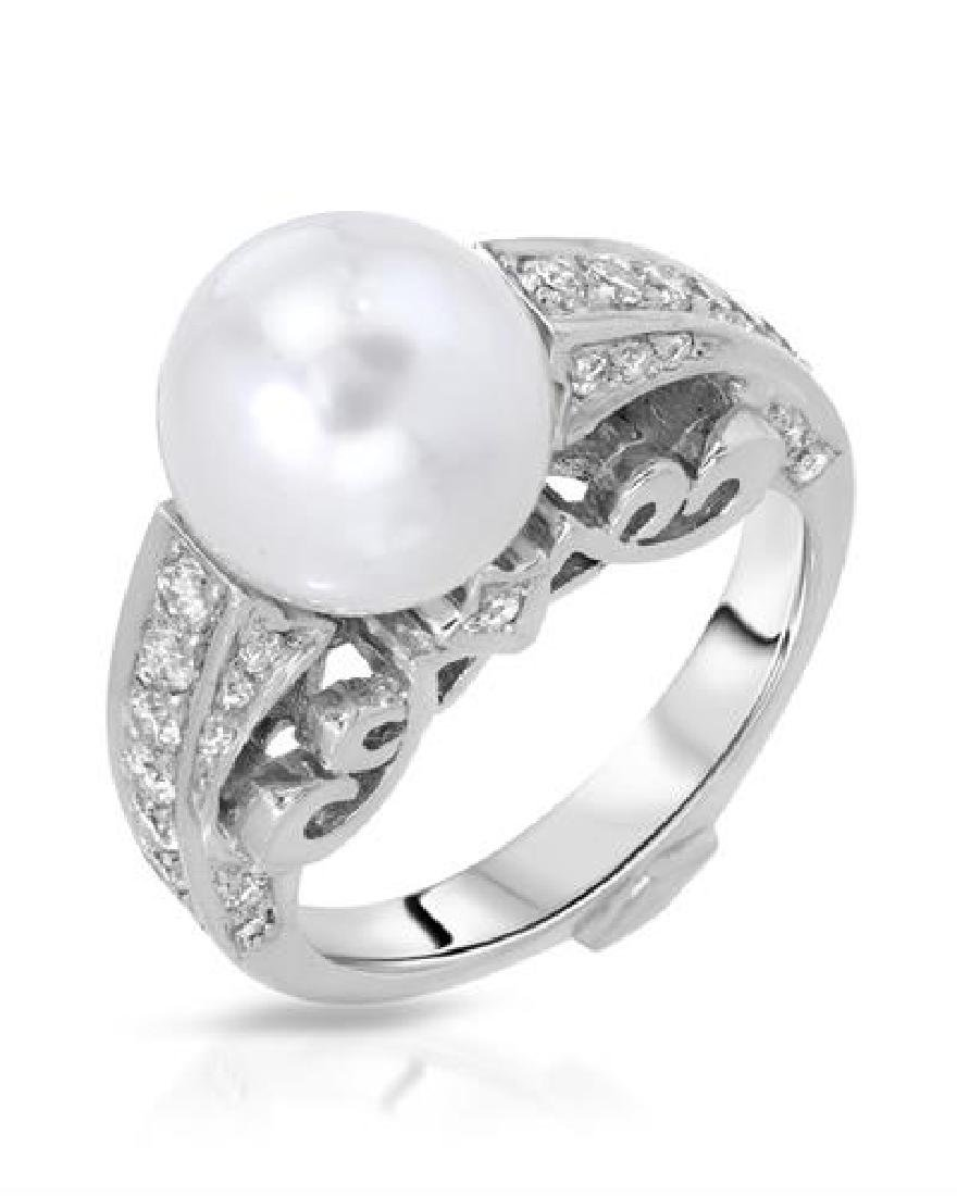 18KT White Gold 8.30ct Pearl and Diamond Ring
