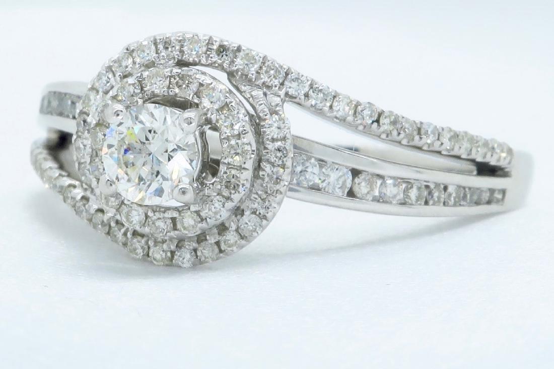 14KT White Gold 0.68ctw Diamond Ring