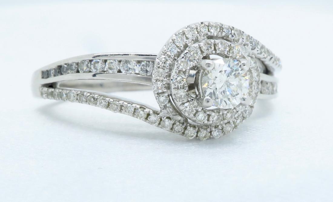 14KT White Gold 0.68ctw Diamond Ring - 4