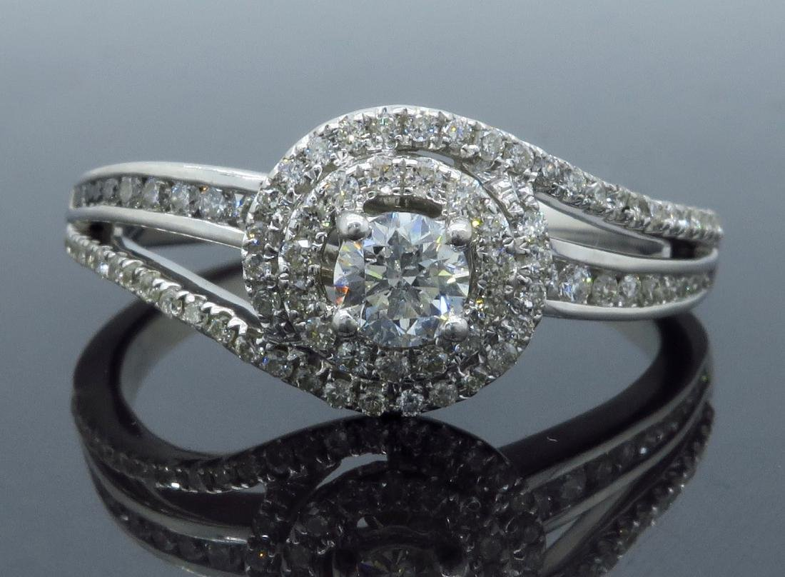 14KT White Gold 0.68ctw Diamond Ring - 7