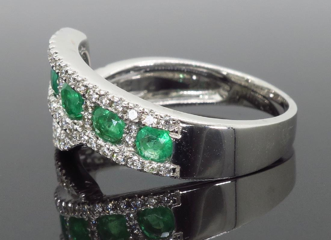 14KT White Gold 0.56ctw Emerald and Diamond Ring - 3