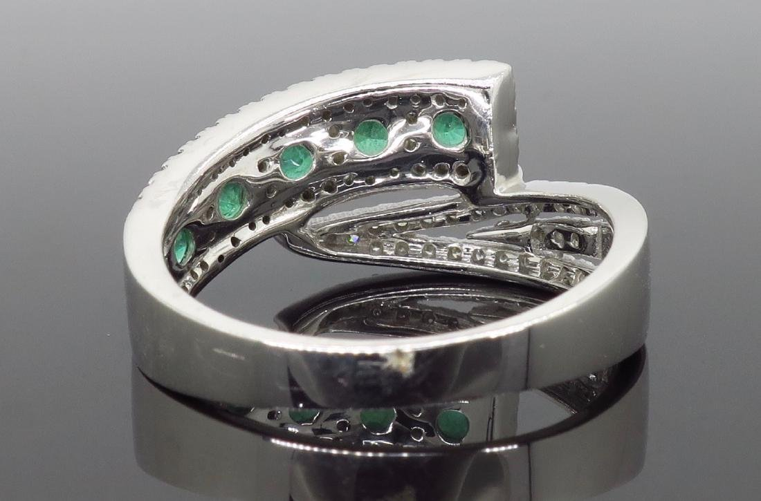 14KT White Gold 0.56ctw Emerald and Diamond Ring - 4