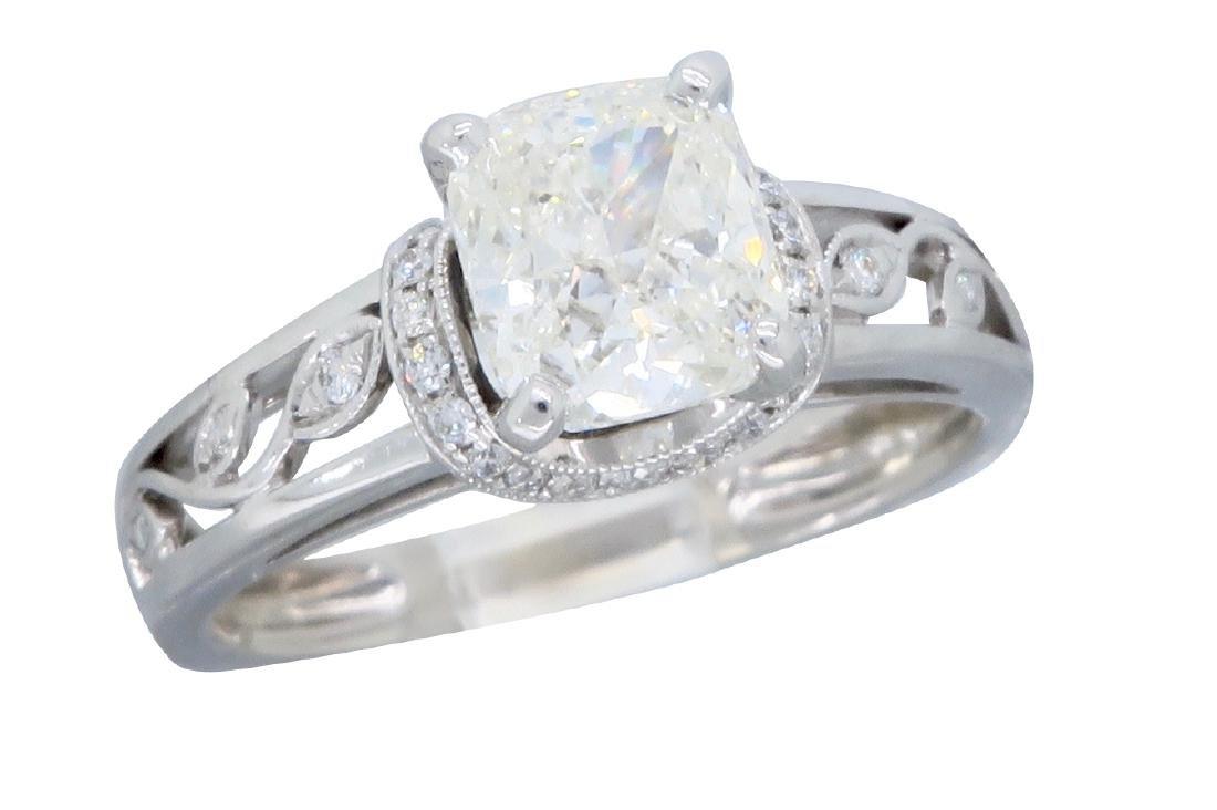 18KT White Gold 1.37ctw Diamond Ring - 3