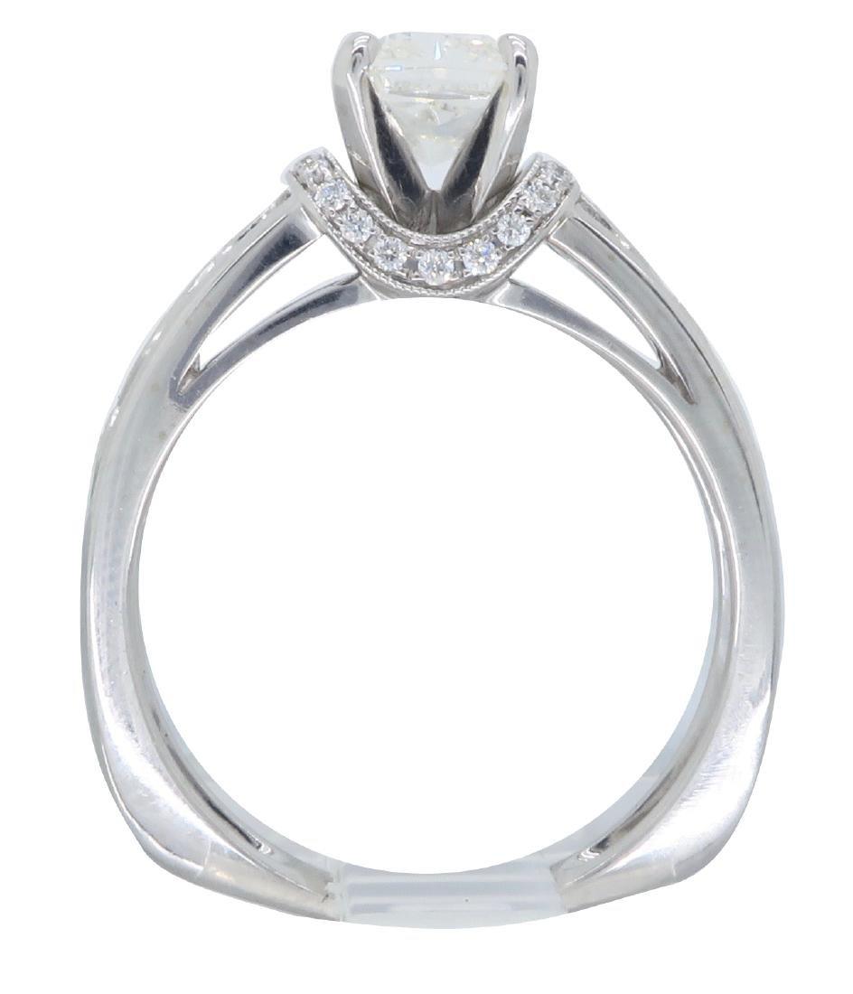 18KT White Gold 1.37ctw Diamond Ring - 4