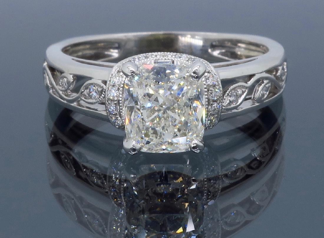 18KT White Gold 1.37ctw Diamond Ring - 5