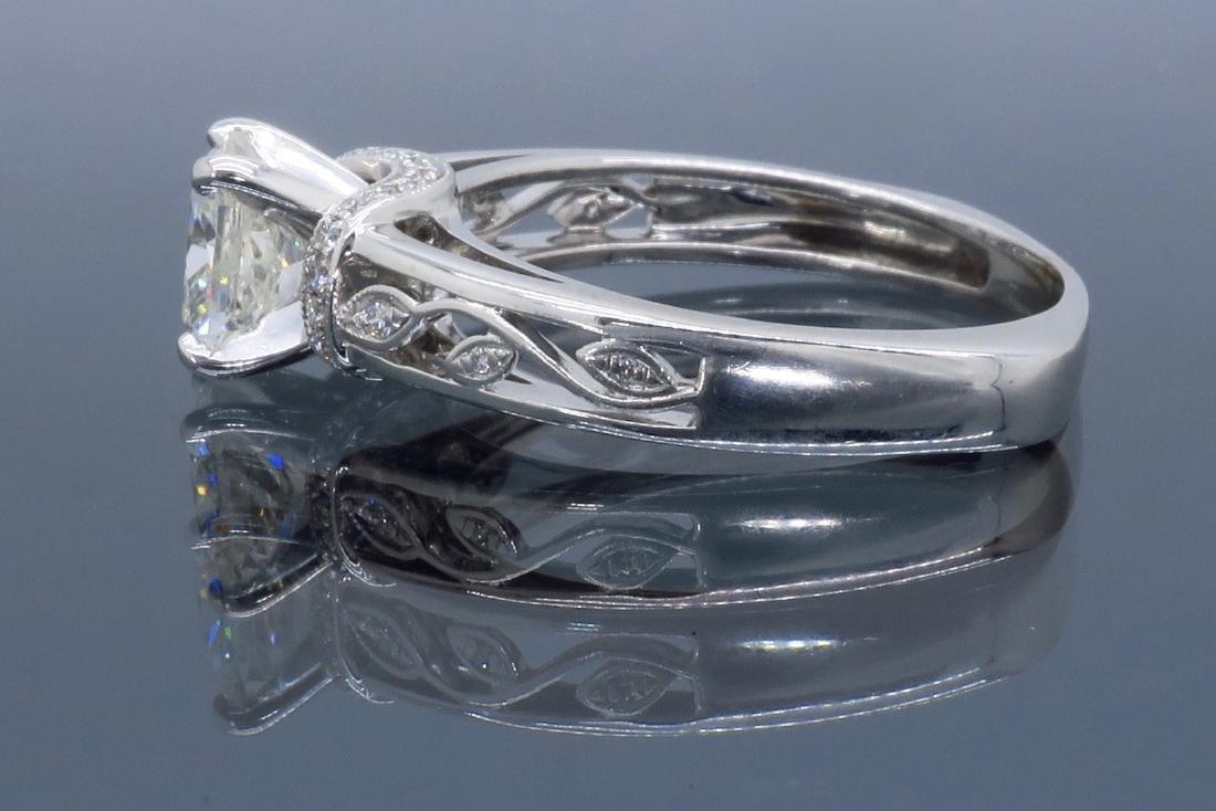 18KT White Gold 1.37ctw Diamond Ring - 6