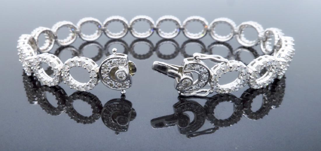 18KT White Gold 4.07ctw Diamond Bracelet - 3