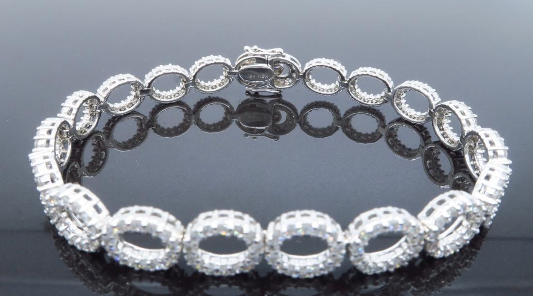 18KT White Gold 4.07ctw Diamond Bracelet - 4