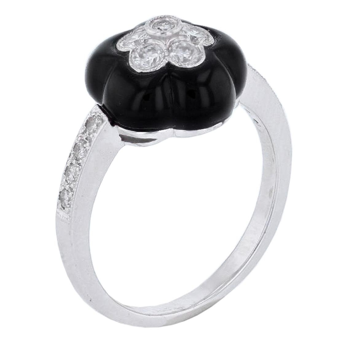 18KT White Gold Onyx and Diamond Ring - 3