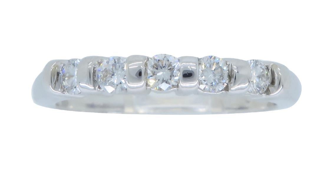 14KT White Gold 0.25ctw Diamond Ring