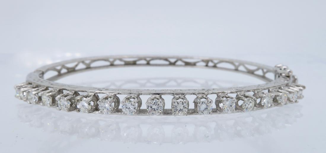 14KT White Gold 1.10ctw Diamond Bracelet